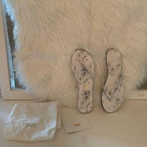 TKEES Footwear Marble White Pepper Sandals NWT